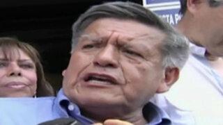 Ayacucho: lanzan huevo a César Acuña durante recorrido en Huanta