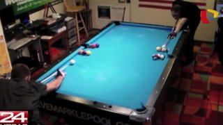 VIDEO: jóvenes realizan increíbles jugadas en mesa de billar