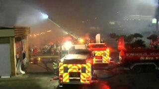 Boulevard de Asia: bomberos logran controlar incendio en supermercado