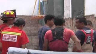 San Isidro: rescatan a tres obreros atrapados en obra de construcción