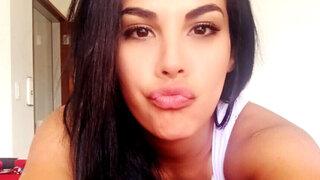 Stephanie Valenzuela fue captada en plena discusión con Bruno Rocha