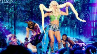 Espectáculo internacional: Kaley Cuoco sorprende en la piel de Britney Spears