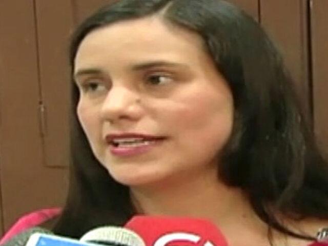 Verónika Mendoza insiste en que medios de comunicación deben ser regulados