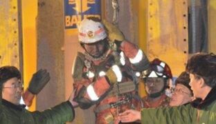 Rescatan a mineros atrapados en mina de China