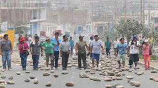 Pese a suspensión de ruta alimentadora continúan protestas en Manchay
