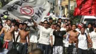 Barristas de Universitario sembraron el terror en distintos puntos de la ciudad