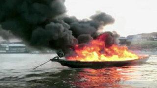 Iquitos: embarcación se incendió por trasladar combustible de manera ilegal