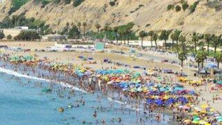¡Agua Dulce, la playa del pueblo¡ donde se encuentra de todo, rico y barato