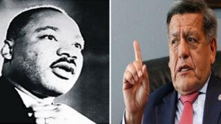 Congresistas califican como desesperación comparación entre Acuña y Luther King