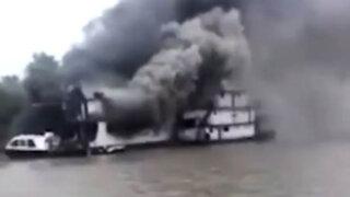 Iquitos: barco destinado a la acción social se incendió en el río Nanay