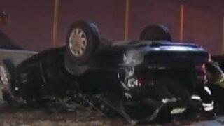 Volcadura de vehículo deja un herido en Vía Evitamiento
