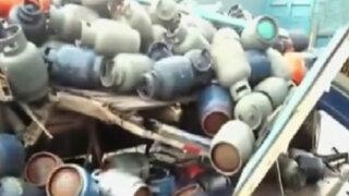 Camión cargado de balones de gas se despista en Puno