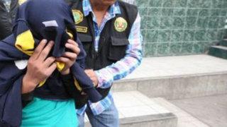 Policía dispara y mata a su pareja, otra agente