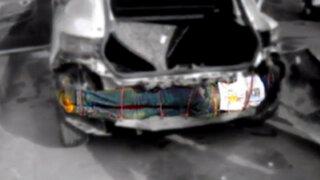España: hallan a inmigrante en el parachoques de un auto