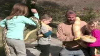 EEUU: una familia vive rodeada de serpientes