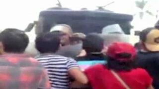 Besos contra la homofobia: activistas LGBT chocaron con la policía en Plaza de Armas