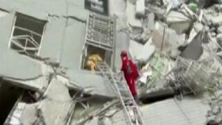 Taiwán: se hunden edificios tras fuerte sismo