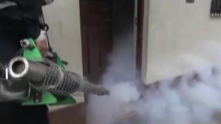 Fumigan casas de Trujillo por virus Zika