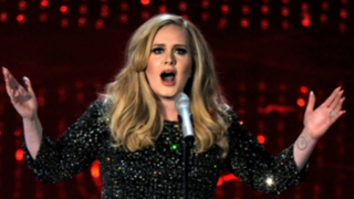 Artista Adele realiza divertida broma a sus fanáticos