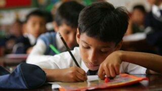Atención padres: zapatos y carpetas influyen en el rendimiento de escolares