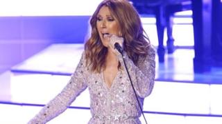 Celine Dion regresa a los escenarios y ofrece homenaje a esposo