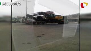 Tráiler intenta dar la vuelta en 'U' y genera caos vehicular en Zapallal