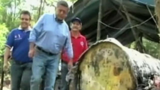 Bagua: César Acuña recorre zonas afectadas por derrame de petróleo