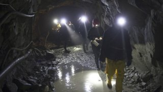 Accidente en mina deja al menos 36 muertos en Rusia