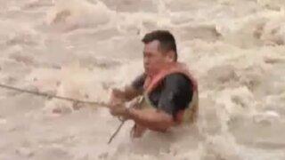 Policía fue arrastrado por río Rímac al intentar salvar a una perrita