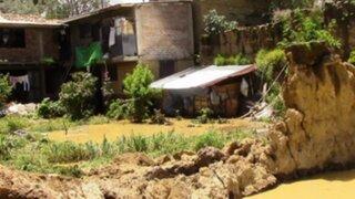 Huancayo: desborde de canal de riego deja varias viviendas afectadas