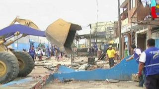 Desalojan a comerciantes informales en el Cercado de Lima