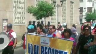 Trabajadores del Inabif protestaron por recorte de presupuesto
