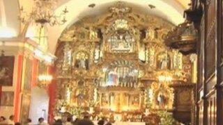 Miles de fieles realizaron recorrido por siete iglesias de Lima