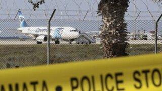 Avión egipcio fue secuestrado con al menos 60 pasajeros a bordo