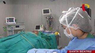 Brindan ayuda médica a hombre que fue atacado por su propio hijo