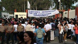 Estudiantes toman universidad San Marcos para exigir anulación de elecciones internas