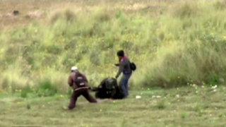 Policía sufre brutal golpiza durante manifestación en Huancavelica