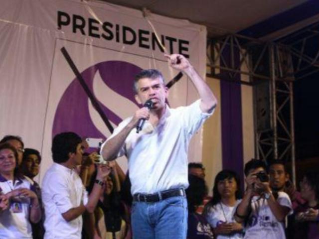 """Vocero de Todos por el Perú: """"Sospechamos seriamente de la autonomía de ese JEE"""""""