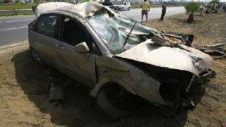 Cusco: choque frontal entre auto y camión deja dos muertos