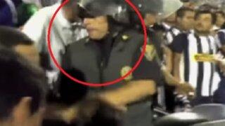 Policía es acusado es escupir a mujer hincha de Alianza Lima