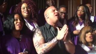 VIDEO: Vin Diesel sorprende a seguidores con canto junto a coro