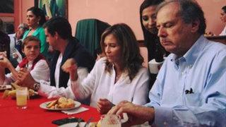 Alfredo Barnechea y su familia desayunaron chicharrones en local de Acción Popular