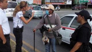 FOTOS: detienen a mendigo con falsa enfermedad renal