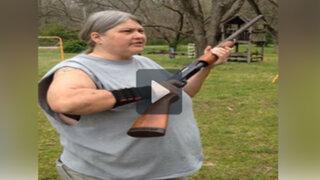 VIDEO: destruyó el iPhone de su hijo con una escopeta para exigirle mayor atención
