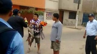 Inspector municipal resulta herido tras ser atacado por perro pitbull