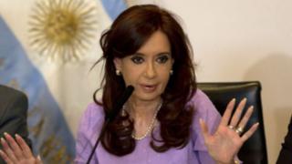 Argentina: allanan propiedades de expresidenta Cristina Fernández
