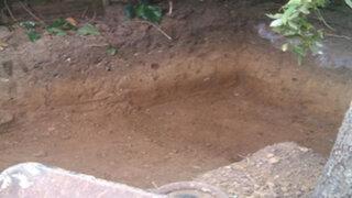 Comenzó cavando un pequeño agujero en el patio y lo que logró fue impresionante