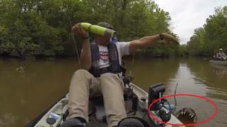 """Hombre se lleva una gran sorpresa al """"pescar"""" cocodrilo en EEUU"""