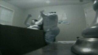 Captan brutal agresión a anciana en silla de ruedas en asilo de EEUU