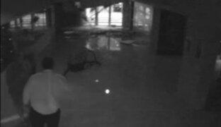 Techo de colegio estadounidense colapsa y cae después de tormentas